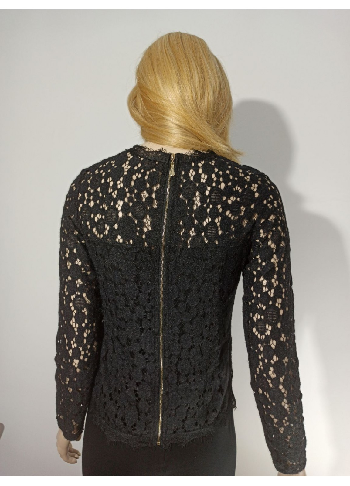 Lace blouse with long sleeve
