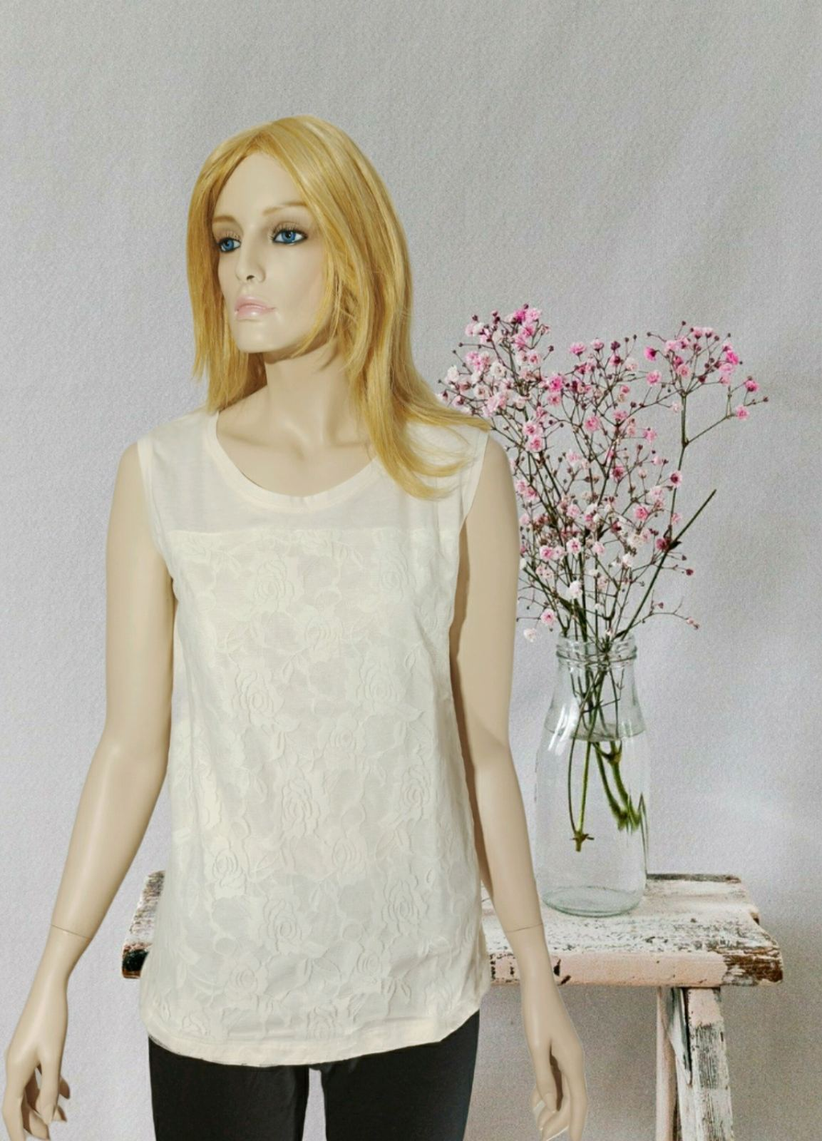 Rose Ecrou lace blouse