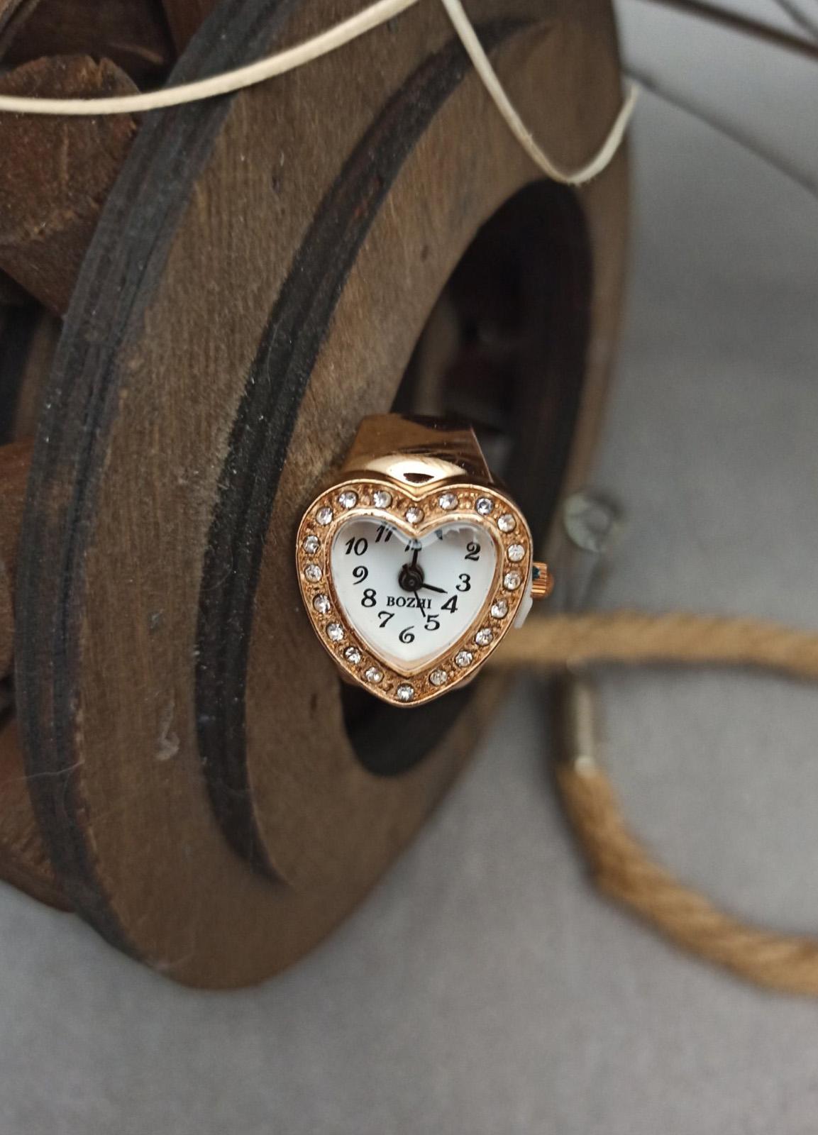 Ring / Heart Clock