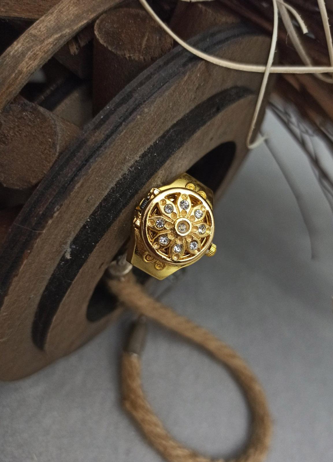 Ring / Flower Clock