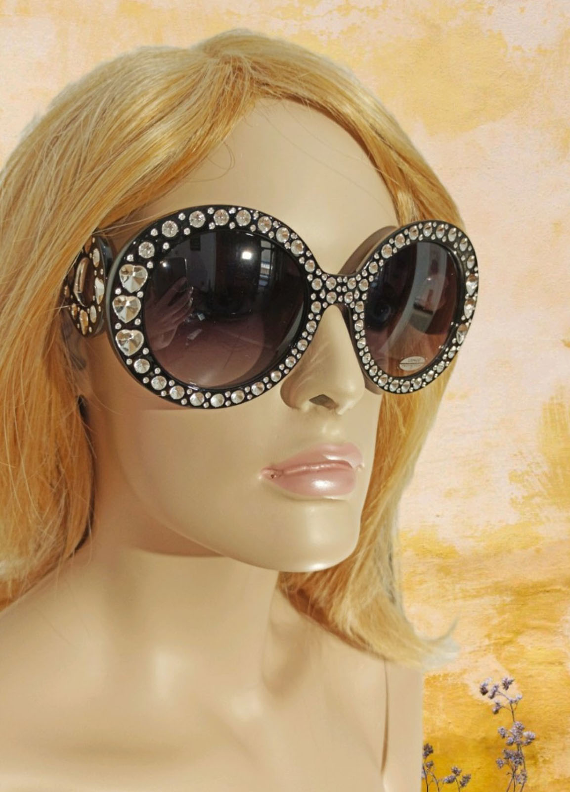 Sun Glass Woman