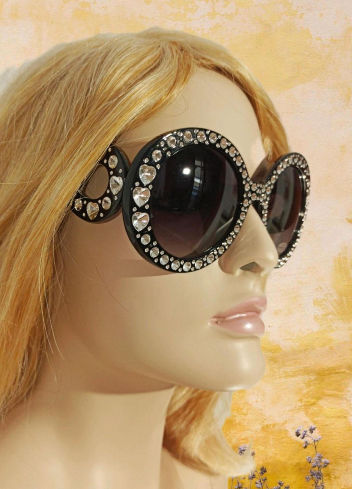 Sun Glass Woman