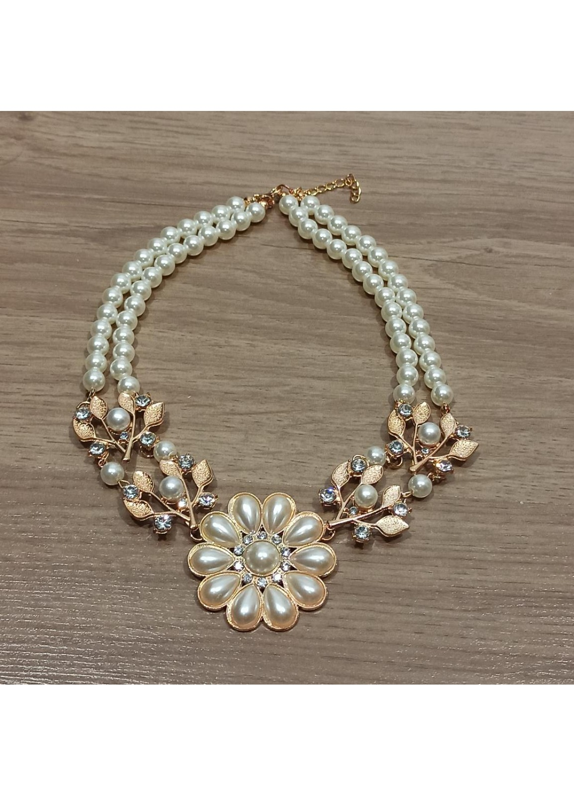 Vintage Flower Necklace Pearls