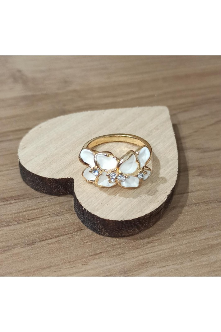 White Flower Ring