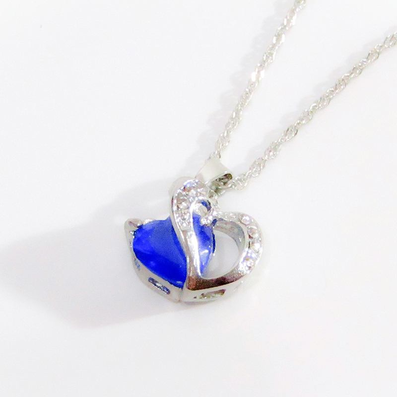 Diamond Jewelry Blue Necklace