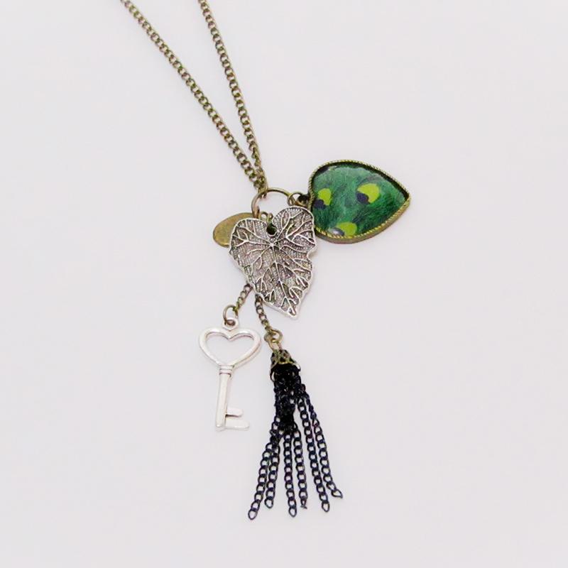 Vintage Heart And Leaf Necklace