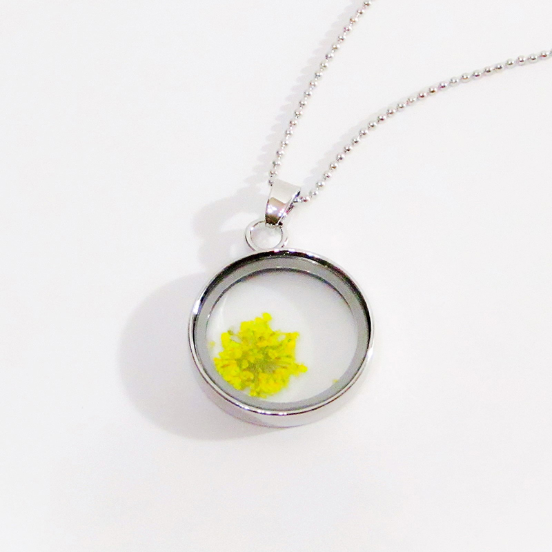 Glass and Flower Necklace Yellow
